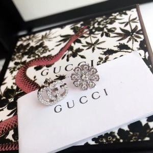 G fashion earrings